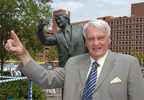 Bobby-Robson-Statue